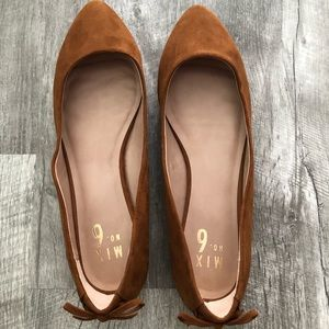 New-Brown Flats